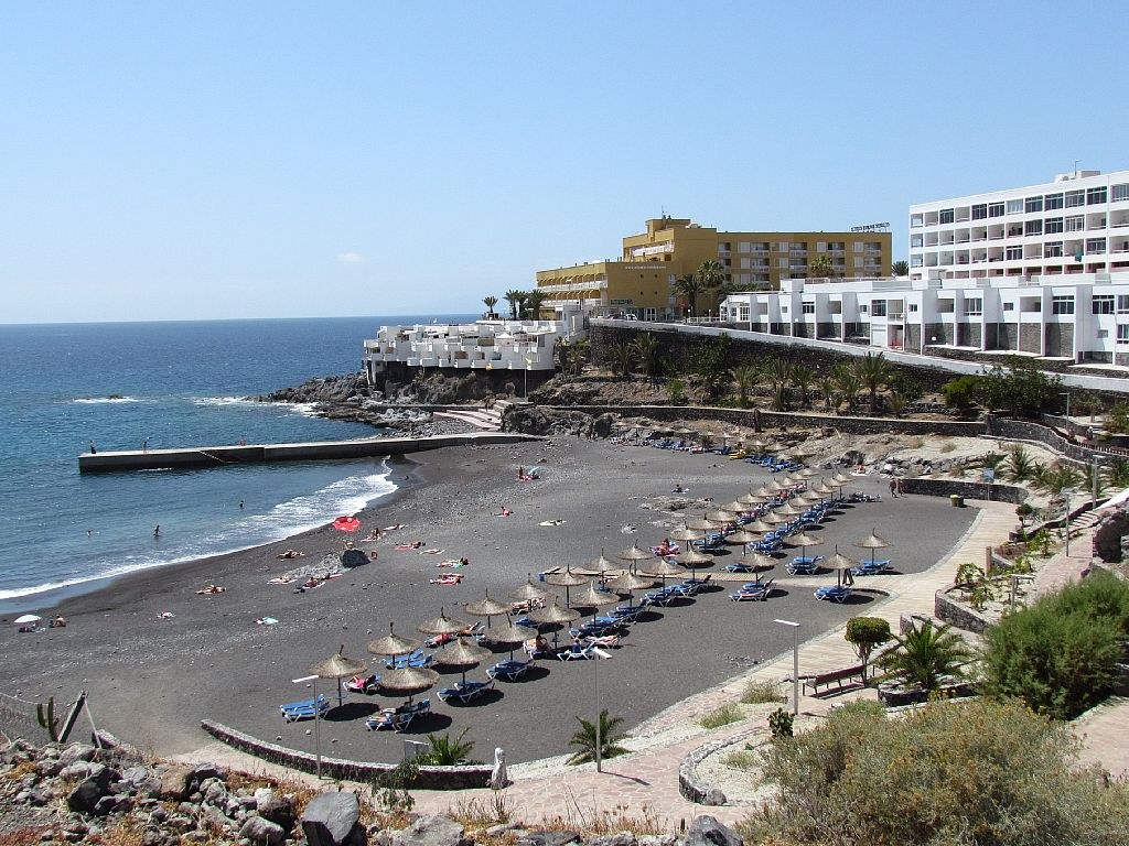 Holiday in callao salvaje for Decor international adeje tenerife